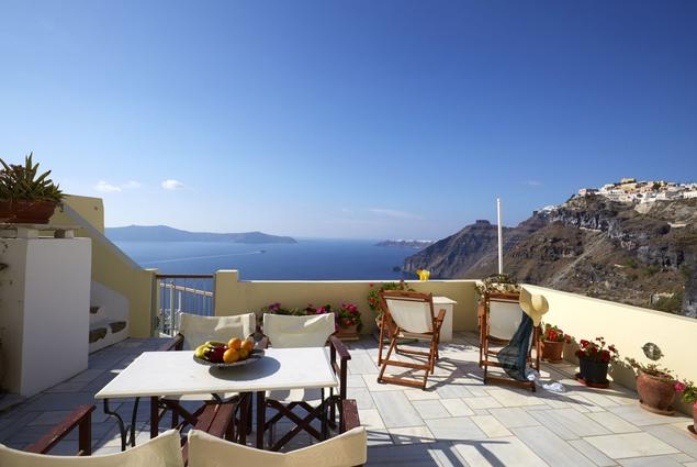 Cori Rigas Suites - Fira Santorini - Petite Suite  with Shared Terrace