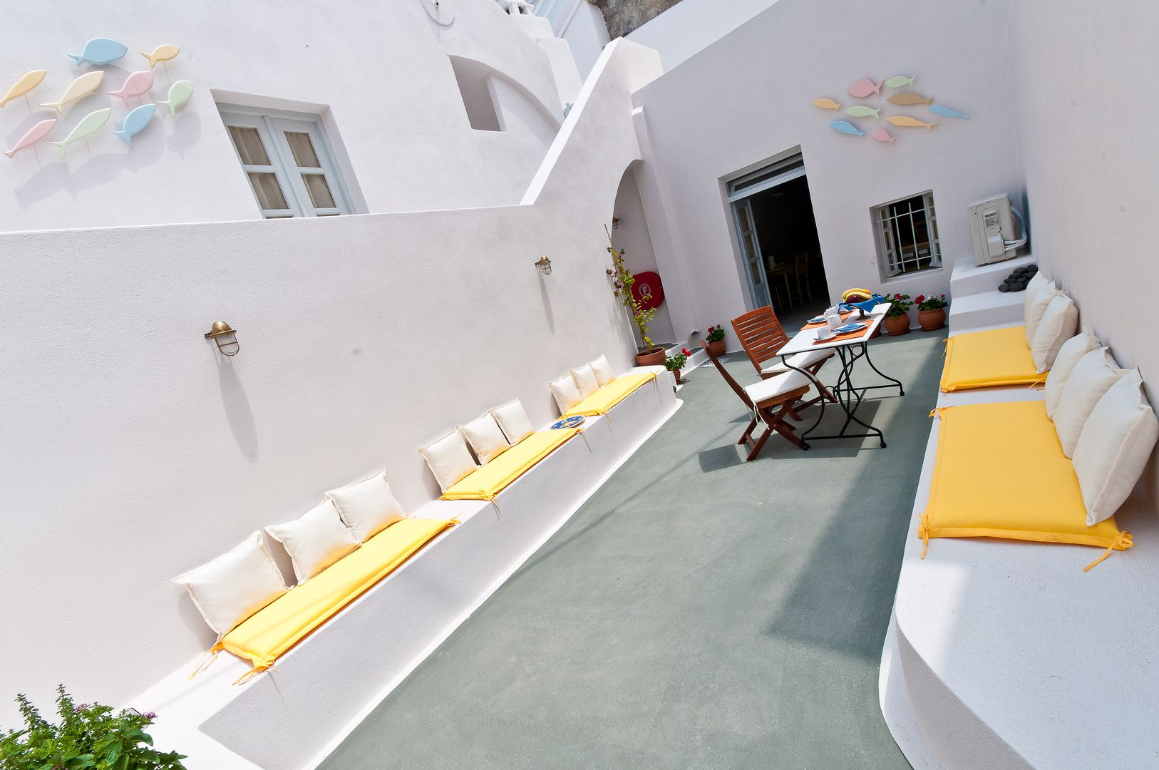 Cori Rigas Suites-Fira-Santorini-Junior Suite4