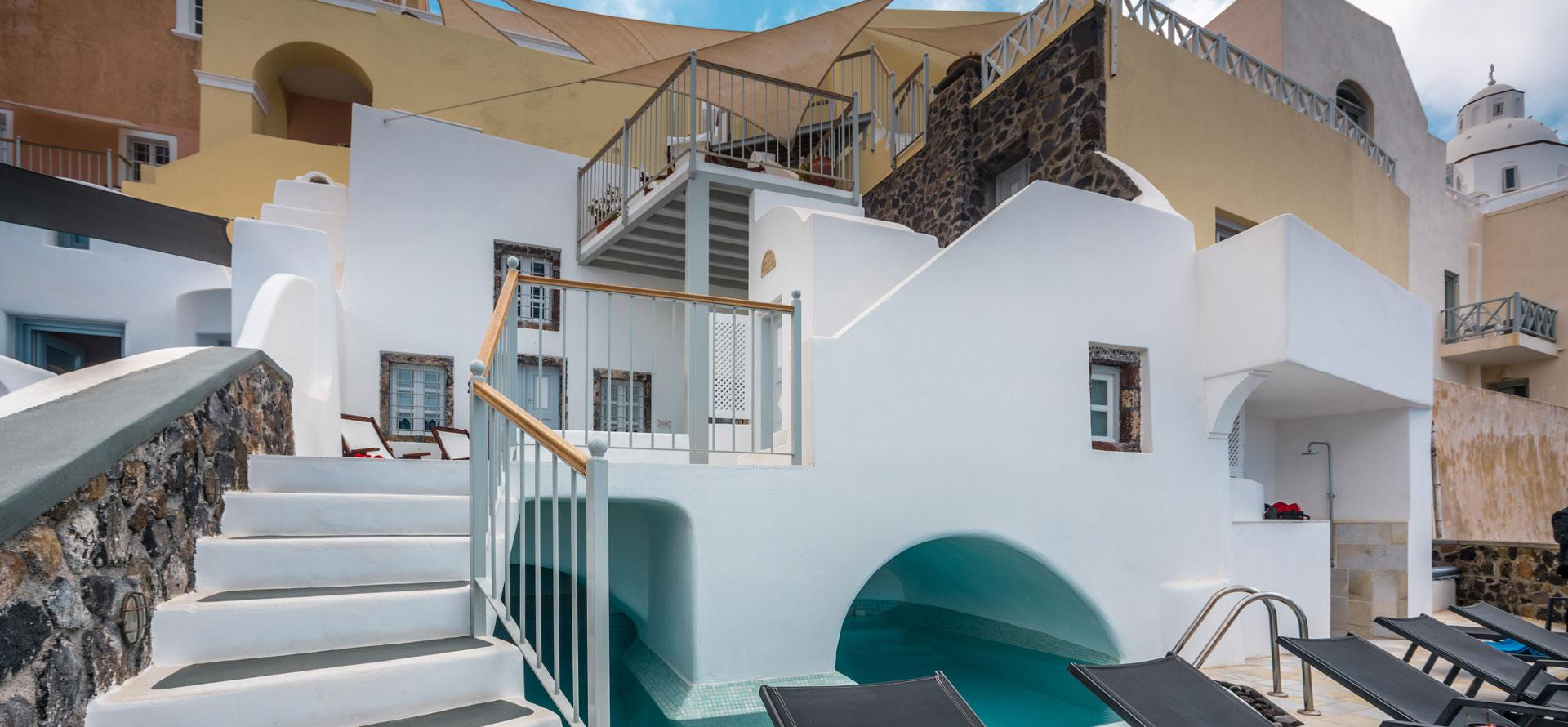 Cori Rigas Suites - Fira Santorini - Old Captain House -250 years of History